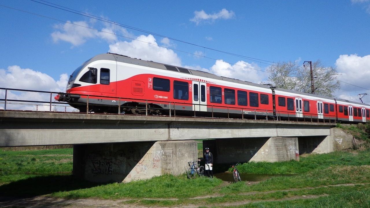 Bici e treni, cosa servirebbe bici &Dintorni
