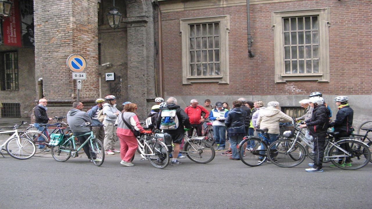 Resistere, pedalare, resistere bici &Dintorni