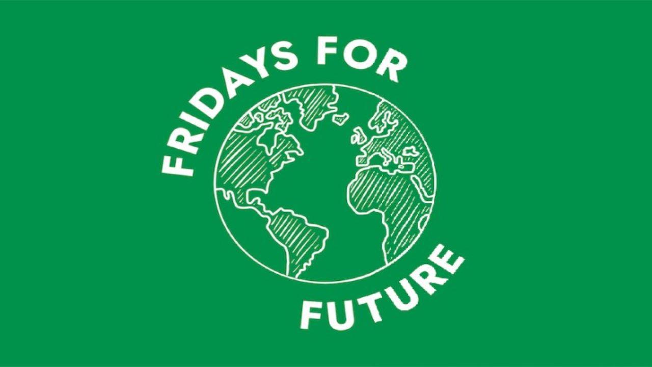 #FRIDAYS FOR FUTURE Torino: appuntamento in piazza! bici &Dintorni