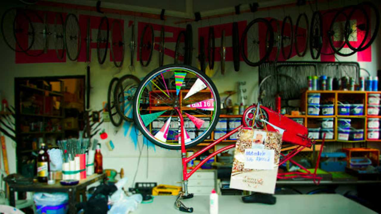 Ciclofficine e ciclisti non devono chiudere. Sono attività necessarie ! bici &Dintorni