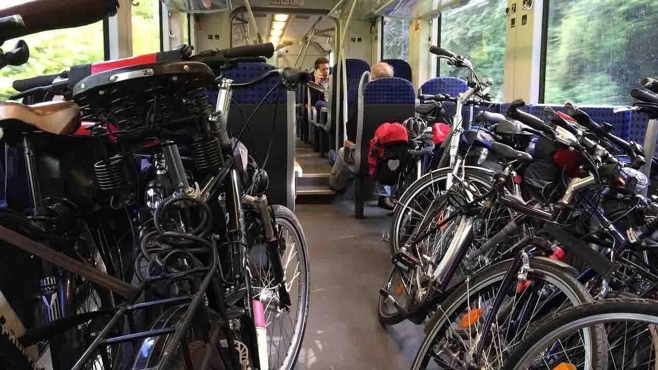 Sei posti bici gratis sugli Intercity al Sud. Dal 2021 in tutta Italia bici &Dintorni